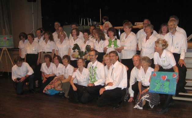 Gruppenbild der Dancing Dragons beim 10 jährigen Jubiläum